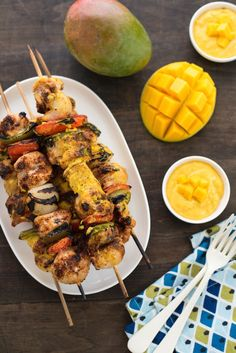 Chicken Kabobs with Curry Mango Sauce - Fire up the grill for these simple chicken and veggie kabobs served with a creamy curried mango yogurt sauce!   foxeslovelemons.com