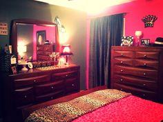 My girly bedroom ! Marilyn , leopard print & hot pink !