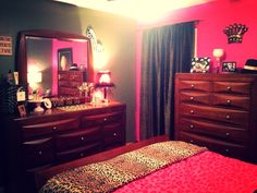My girly bedroom ! Marilyn , leopard print & hot pink !
