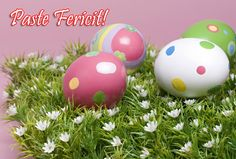 Two pretty Easter eggs in the grass. Easter Wallpaper, Food Wallpaper, Flower Wallpaper, Wallpaper Backgrounds, Online Cards, Online Greeting Cards, Happy Easter, Easter Bunny, Easter Eggs