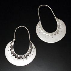 Metal Clay Jewelry, Gold Jewelry, Jewelery, Jewelry Accessories, Bijoux Design, Jewelry Design, Creole Argent, African Jewelry, Stamped Jewelry