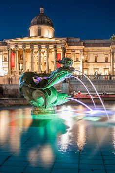 Trafalgar Square and National Art Gallery by Massi23 (www.massimocasiraghi.com) on Flickr