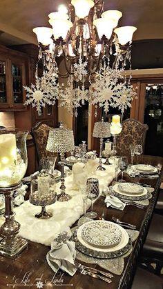 Hola chicas!! Les tengo más ideas para decorar la mesa para la cena de Nochebuena en color plateado con blanco, definitivamente sera una decoracion muy elegante y sostificada para esa noche tan especial que disfrutaras con tus seres queridos.