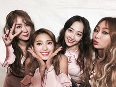 Find images and videos about kpop, girl group and sistar on We Heart It - the app to get lost in what you love. Kpop Girl Groups, Korean Girl Groups, Kpop Girls, Sistar Kpop, Yoon Bora, Draw On Photos, Starship Entertainment, Girl Bands, Toddler Girls