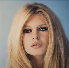 more stars than there are in the heavens Maquillage Brigitte Bardot, Bridget Bardot Makeup, Bardot Brigitte, Birgitte Bardot, Hollywood Glamour, Hollywood Fashion, Hollywood Stars, Hollywood Actresses, French Actress