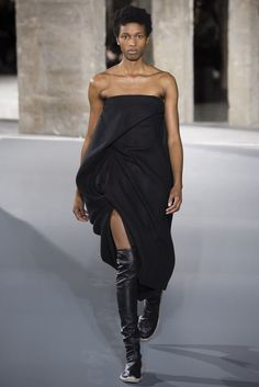 Rick Owens Fall 2016 Ready-to-Wear Collection Photos - Vogue