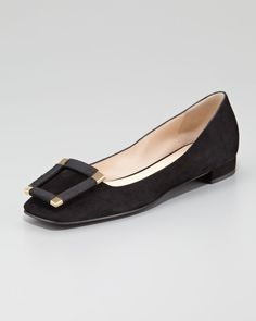 Giorgio Armani Suede Ballet Flat With - Finely crafted and detailed with a jewelry-like ornament, this Giorgio Armani ballerina flat will stand the tests of time