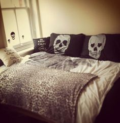 Skull Pillows Keep Calm & Leopard Grey & Black Bed (our perfect bed! Dream Bedroom, Master Bedroom, Bedroom Decor, Skull Bedroom, Girls Bedroom, Bedrooms, Decoration Inspiration, Decoration Design, My New Room
