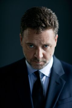 Russell Crowe – Shirt and Tie Combinations - The Life of The Metropolitan Londoner