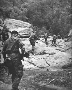 Typical pic of war in Algeria : french paratroopers from 3ème RPC (Colonial paratroopers Regiment) in patrol.