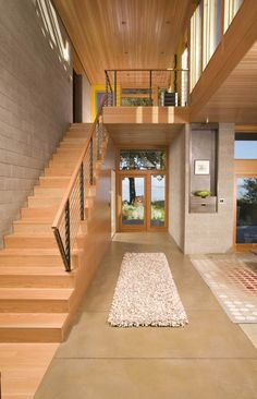 Image 2 of 14 from gallery of Ellis Residence / Coates Design: Architecture + Interiors Wood Staircase, Wooden Stairs, Staircase Design, Staircases, Wooden House, Loft, Modern Foyer, Modern Entrance, Plafond Design