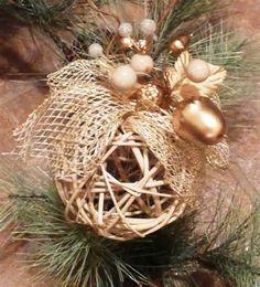 ¿Cómo hacer adornos caseros para el árbol de navidad? Las mejores ideas http://www.infotopo.com/eventos/navidad/como-hacer-adornos-caseros-para-el-arbol-de-navidad