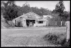 Thistle Tea Rooms - Lower Ferntree Gully. History Victoria Australia Photos, Melbourne Australia, South Australia, Western Australia, Old Photos, Vintage Photos, The 'burbs, Victoria Australia, Historical Photos