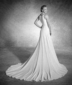 Natalia - Wedding dress in crepe and tulle, with a drop waist and a round neckline