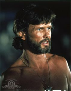 Kris Kristofferson was born in Brownsville, Texas. When Kristofferson was a child, his father pushed him toward a military career. Best Country Music, Country Music Artists, Country Singers, Me And Bobby Mcgee, Atticus Finch, Kris Kristofferson, Star Wars, A Star Is Born, Richard Gere