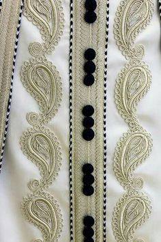 Flower Embroidery Designs, Hand Embroidery, Mens Kurta Designs, Arabic Dress, Indian Designer Outfits, Animal Print Rug, Sewing, Style, Fashion