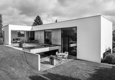 When Gitte and her husband asked architect Sebastian Schroers to design their family dream home, most of all they wanted it to have an u...