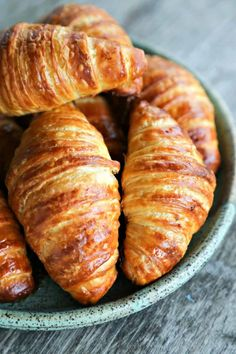 Breakfast Breads - Homemade Croissants - Homemade Breakfast Bread Recipes - Healthy Fruit, Nut, Banana and Vegetable Recipe Ideas - Best Brunch Dishes Breakfast Bread Recipes, Healthy Bread Recipes, Homemade Breakfast, Best Brunch Dishes, Pastry Recipes, Cooking Recipes, Homemade Croissants, Recipe For Croissants, Making Croissants