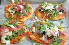 Aga w kuchni: Mini pizze z szynką parmeńską i rukolą