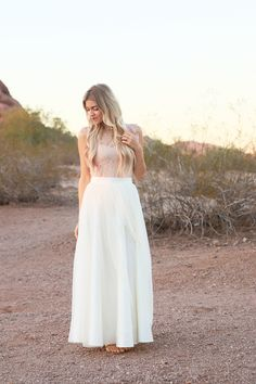 holiday outfit ideas || tulle skirt || photo shoot || desert photos || tulle skirt photos || scenic photo shoot