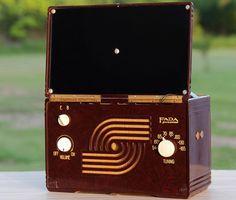 1947 FADA P80 Vintage Antique Bakelite Tube AC/DC Portable Radio FULLY RESTORED #FadaRadioandElectricCoInc
