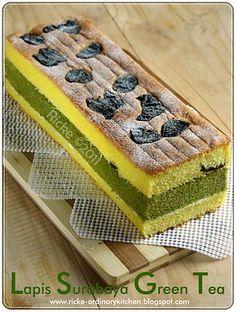 59 Ideas cupcakes fondant birthday mom for 2019 Indonesian Desserts, Asian Desserts, Lapis Surabaya, Bolu Cake, Sponge Cake Roll, Cake Oven, Easy Buttercream Frosting, Cupcake Fondant, Resep Cake