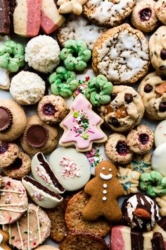 Here are 75 Christmas cookies including classic Christmas cookies, decorated sugar cookies, allergy-friendly cookies, and a category for QUICK cookies!