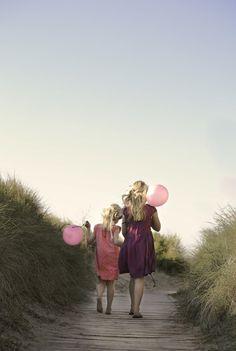 Beach Sisters | Hello Petal Photography  #sisters #beach #Nelson #NewZealand