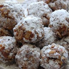 DATE BALLS: 1 stick butter c.) chopped dates 1 c. Date Recipes, Candy Recipes, Holiday Recipes, Cookie Recipes, Dessert Recipes, Christmas Recipes, Amish Recipes, Dessert Bars, Holiday Ideas