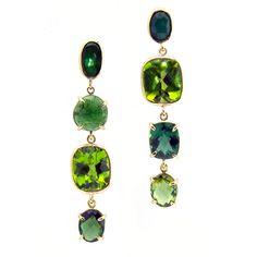 www.experiencememo.com product-details peridot-king-queen-earrings