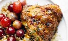Cast Iron Chicken Recipes That& Make You Want To Kiss Your Skillet Cast Iron Chicken Recipes, Chicken Skillet Recipes, Cast Iron Recipes, Healthy Chicken Recipes, Cooking Recipes, Healthy Food, Easy Sesame Chicken, Honey Lemon Chicken, Cast Iron Cooking