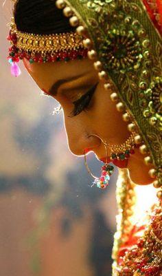 Scarlet Bindi - South Asian Fashion: Inspiration Amazing Wedding Photography of Indian Photographer Mehndi, Oki Doki, Bollywood, Bridal Photoshoot, Durga Puja, Purple Love, Desi Wedding, Mode Inspiration, Fashion Inspiration