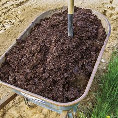 """""""Composting for Serious Gardeners"""" This comprehensive guide to composting covers everything from bin construction to applying the finished product. From MOTHER EARTH NEWS"""