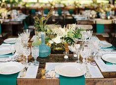 Gorgeous teal draped napkins for a wedding table