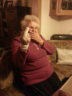 so lustig kann ein gebrochener finger sein ... :o) ...