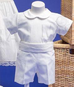 Traje para bautizo de niño de lino con jaretas y fajín Baby Boy Christening Outfit, Pretty Baby, Leo, Sewing Patterns, Ruffle Blouse, Party Ideas, Rompers, Handmade, Outfits