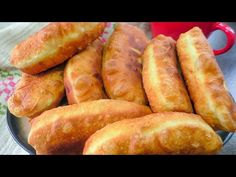 A very quick pastry dough is suitable for any filling! Party Buffet, Relleno, Pastel, Queso, Hot Dog Buns, Cooking Tips, The Creator, Beignets, Breakfast