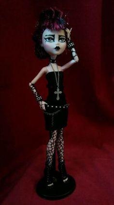 #Monster #high #custom #ooak #punk# gothic #siouxsie #draculaura #doll