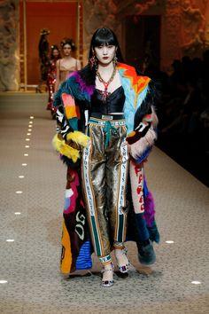 The Dolce&Gabbana Fall Winter 2018/19 Women's Fashion Show. #DGFashionDevotion #DGFW19 #mfw #DGWomen #DolceGabbana #FashionSinner #lamodaèbellezza #DGEyewear