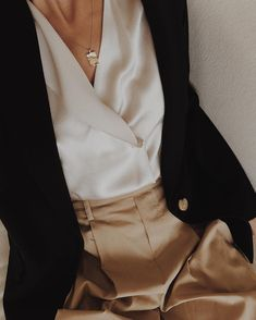 68 Trendy Ideas for moda chic ideas blouses Fashion Mode, Minimal Fashion, Look Fashion, Autumn Fashion, Fashion Outfits, Fashion Trends, Minimal Style, Beige Outfit, Outfit Jeans