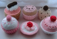 More Pink Knitted Cakes