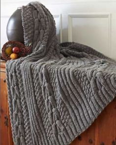 Horseshoe cable blanket (knit)  (free pattern) - Gift idea for grandpa.