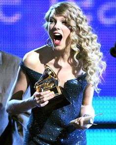 #TaylorSwift's Best Surprised Faces: January 31, 2010