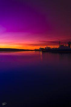 Twilight zone by Ruslan Bolgov (Axe) Beautiful Nature Wallpaper, Beautiful Sunset, Beautiful Landscapes, Sunset Wallpaper, Galaxy Wallpaper, Nature Pictures, Cool Pictures, Landscape Photography, Nature Photography