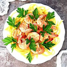 Dorsz pieczony w folii z czosnkiem i koperkiem   – Dietetyczne przepisy – Pasta Salad, Spaghetti, Ethnic Recipes, Food, Diet, Crab Pasta Salad, Essen, Meals, Yemek