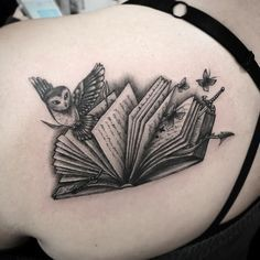 black and gray tattoo design tatoo 46 Awe-inspiring Book Tattoos for Literature Lovers Page 2 My Beauty Note Book Tattoo, Diy Tattoo, Tattoo Quotes, Tattoo Lyrics, Tattoos For Lovers, Tattoos For Women, Sexy Tattoos, Body Art Tattoos, Bookish Tattoos
