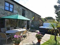 Hellfire Jacks, Portreath, Cornwall, England, Sleeps 10, Bedrooms 5, Self-Catering Holiday Cottage.