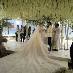 "@myweddingconcierge's photo: ""That dress, those florals, the view!! Heart Evangelista you have left us speechless!! Dress by @ezracouture #celebrity #wedding #myweddingconcierge"""