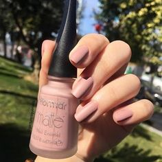 essence essence Cosmetics is a popular European brand sold at ULTA. While it may seem like our usual drugstore brand Blush Nails, French Manicure Acrylic Nails, Gel Nails, Nail Swag, Winter Nail Art, Winter Nails, Mirror Effect Nail Polish, Essence Cosmetics, Instagram Nails