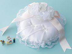 リボンモチーフのウエディングドレスに似合う新婦のお手製
